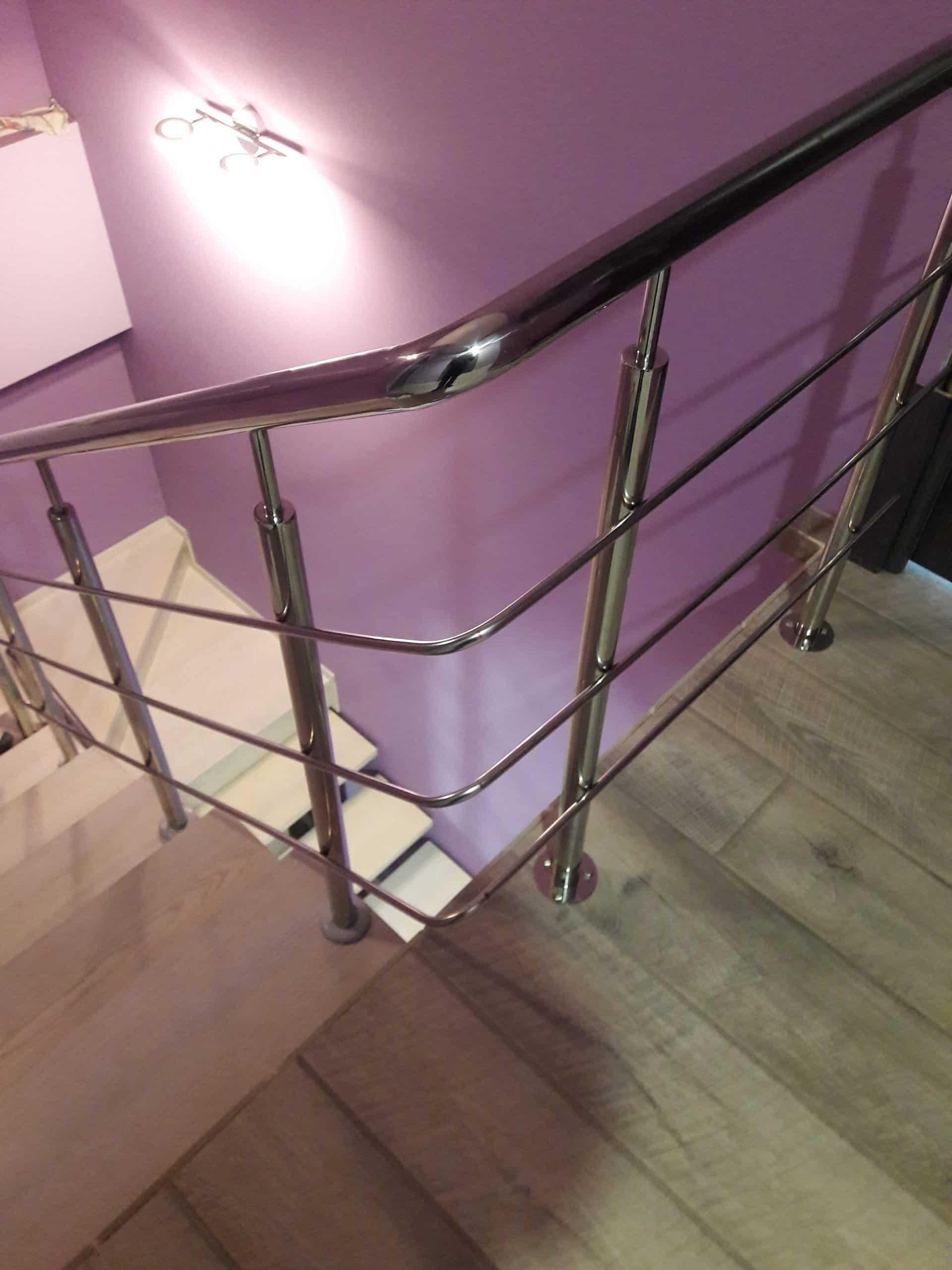 Перила из нержавейки: переход поручня с площадки на лестницу